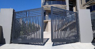 Установка ворот Симферополь цена от 3942 руб.